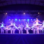 Magia de O Lago dos Cisnes encanta público no Ginásio do Sesi Jardim da Penha